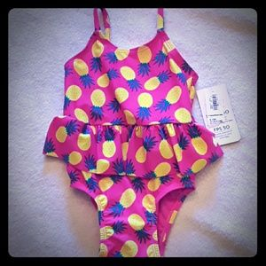 🌞NWT Old Navy baby swimsuit